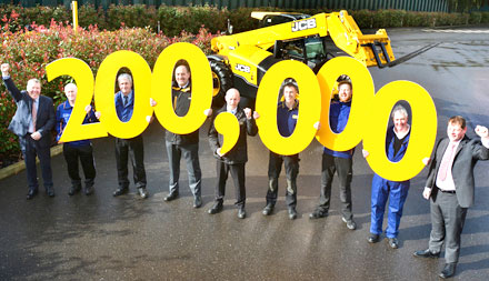 JCB-celebrates-200000th-Loadall