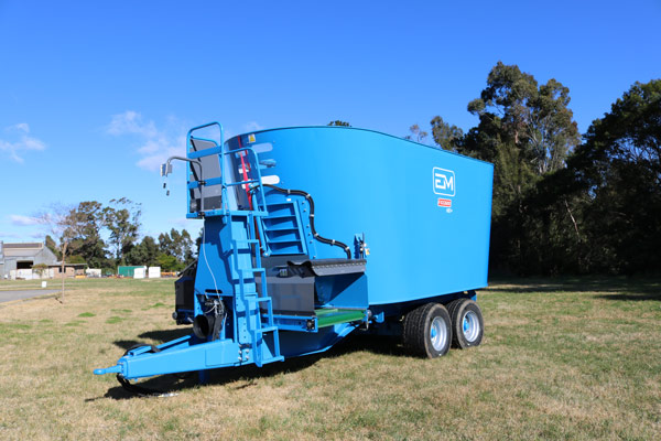 EM Machinery feed mixer