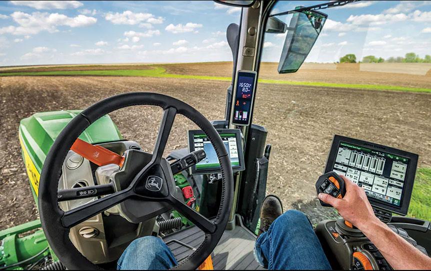 John Deere 8 Series 2022 tractor cab